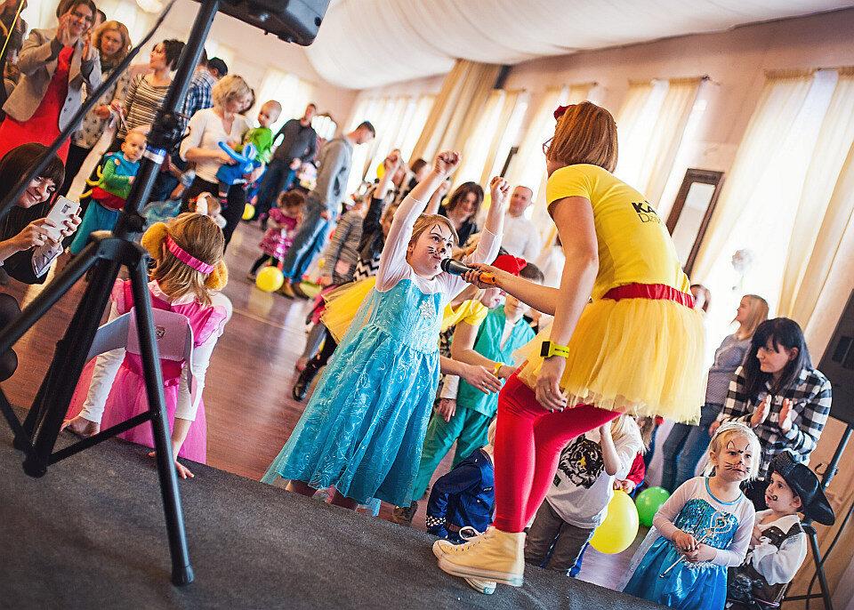 Bal na zamku 02 324751 x - Bal na zamku w Arendelle
