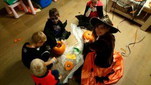 Halloween 04 300x169 - Halloween-04